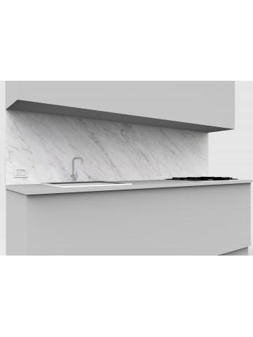 Alzata cucina in marmo Bianco di Carrara con una presa elettrica